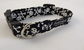 Black Skull & Cross Bone Collar